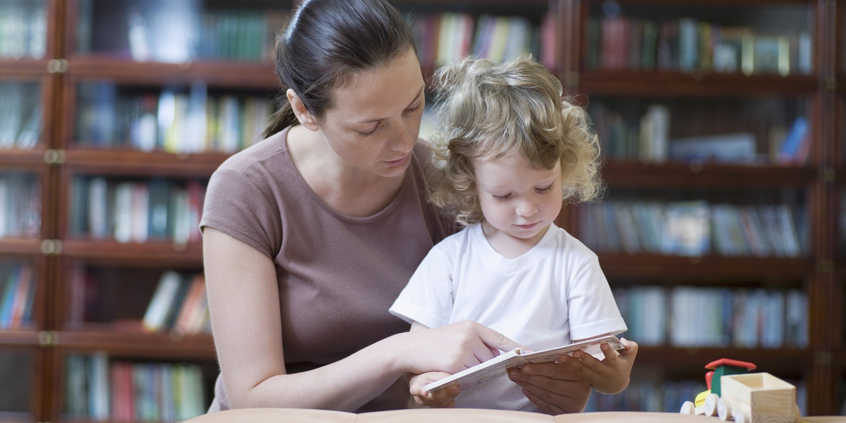 Help for single mothers: a selection of articles